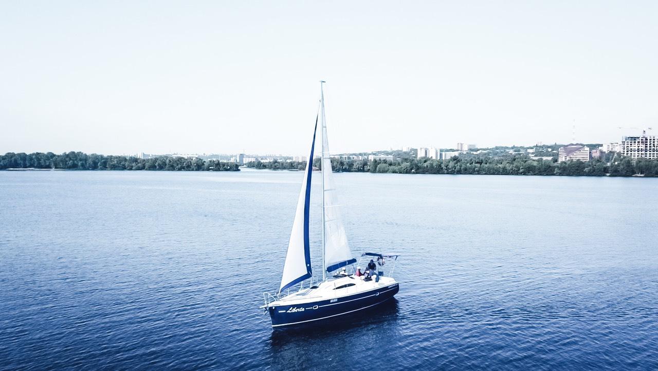 Twister 33 Аренда яхты в Днепропетровске 2