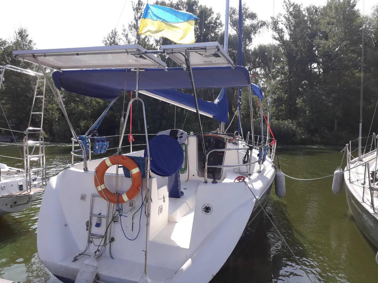 Twister 33 Аренда яхты в Днепропетровске  3