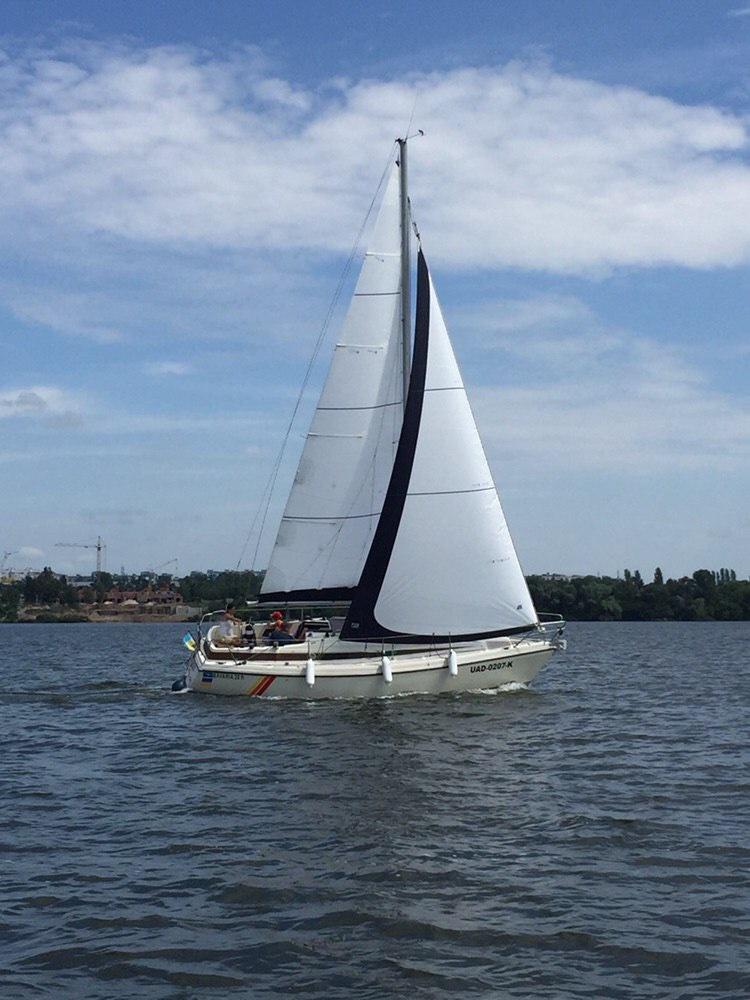 Яхта Бавария 29 Днепр